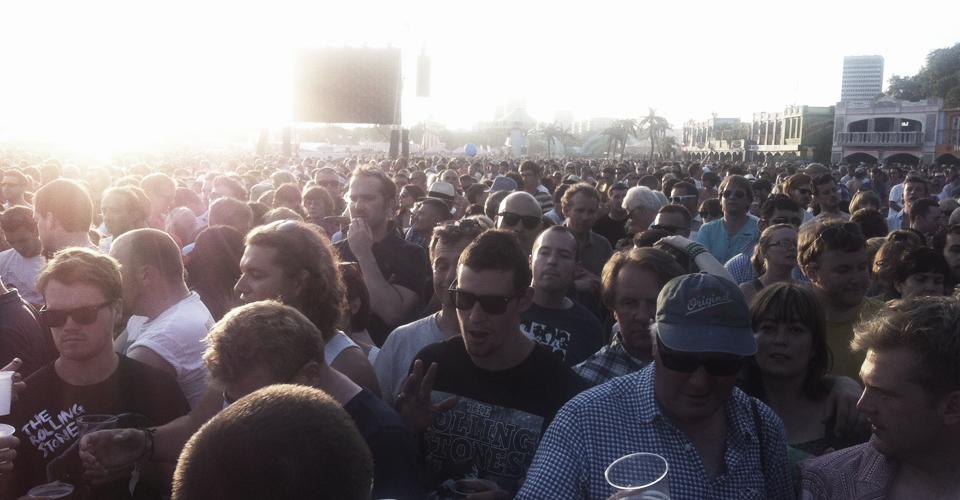 crowd_10